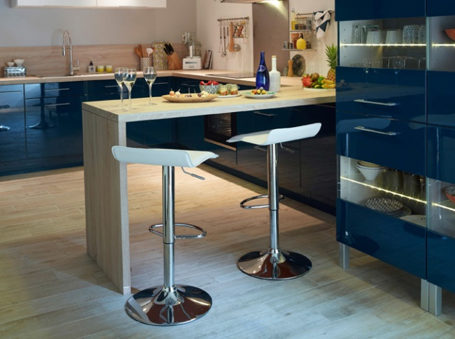 Table bar cuisine conforama great tabouret de bar en mtal for Bar cuisine conforama