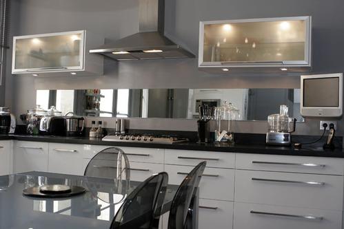 modèle cuisine noire et blanche